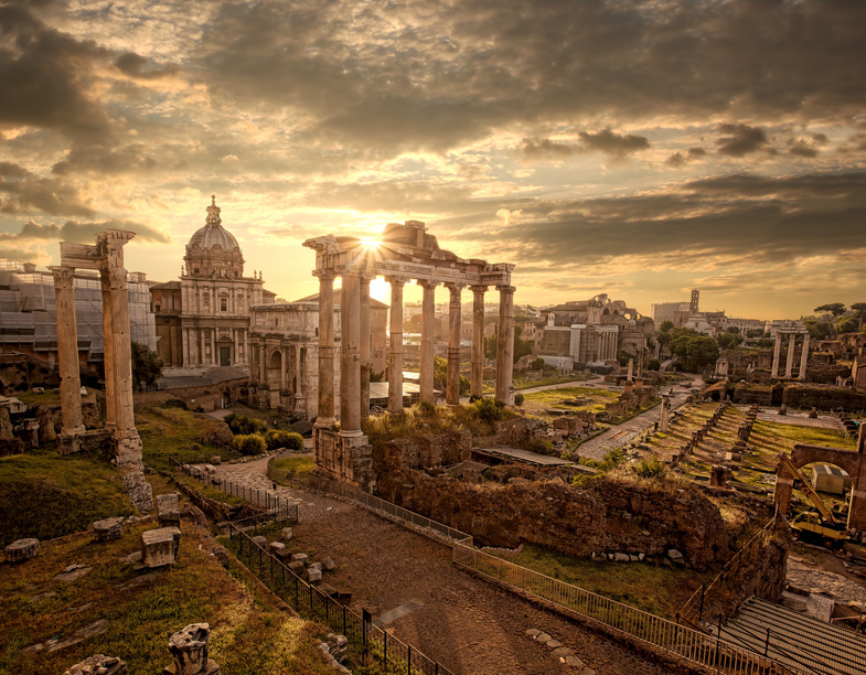 Famous Roman ruins in Rome, Capital city of Italy