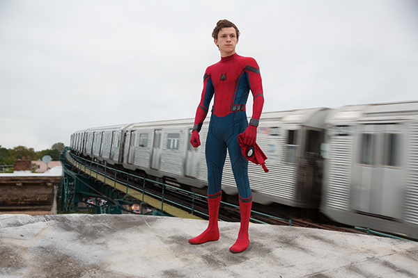 "Tom Holland è Spider-Man in ""Spider-Man: Homecoming"" della Columbia Pictures."