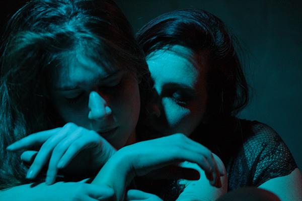 Red Lily & Alice Kitsune fotografate da Miriam Bendìa