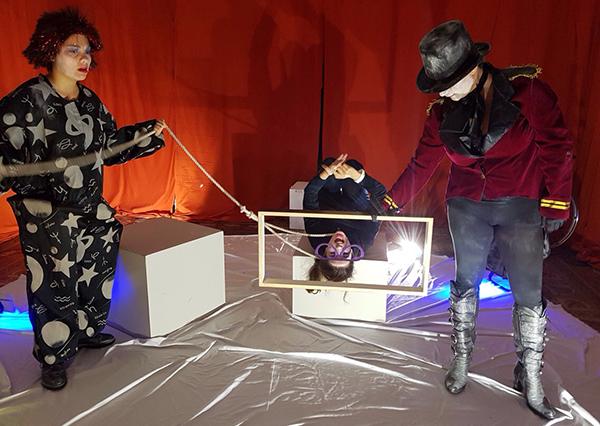 Pomeriggio d'urto - La tv logora chi non la fa, una produzione di I'M Teatro e Il Cielo di Carta.