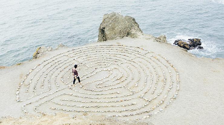 Rock Maze Photo by Ashley Batz on Unsplash