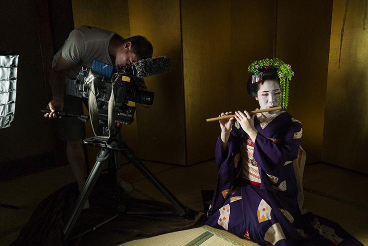 Filming Maiko in Kyoto, Van Gogh & Japan © EXHIBITION ON SCREEN (David Bickerstaff)