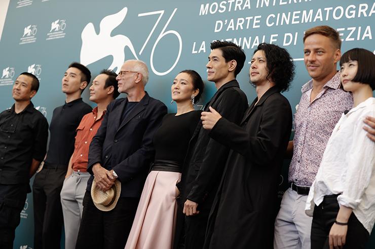 Photocall SATURDAY FICTION, Film delegation | Credits La Biennale di Venezia Ph ASAC