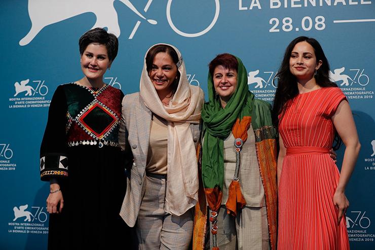 Photocall Hava, Maryam, Ayesha | Credits La Biennale di Venezia Ph ASAC