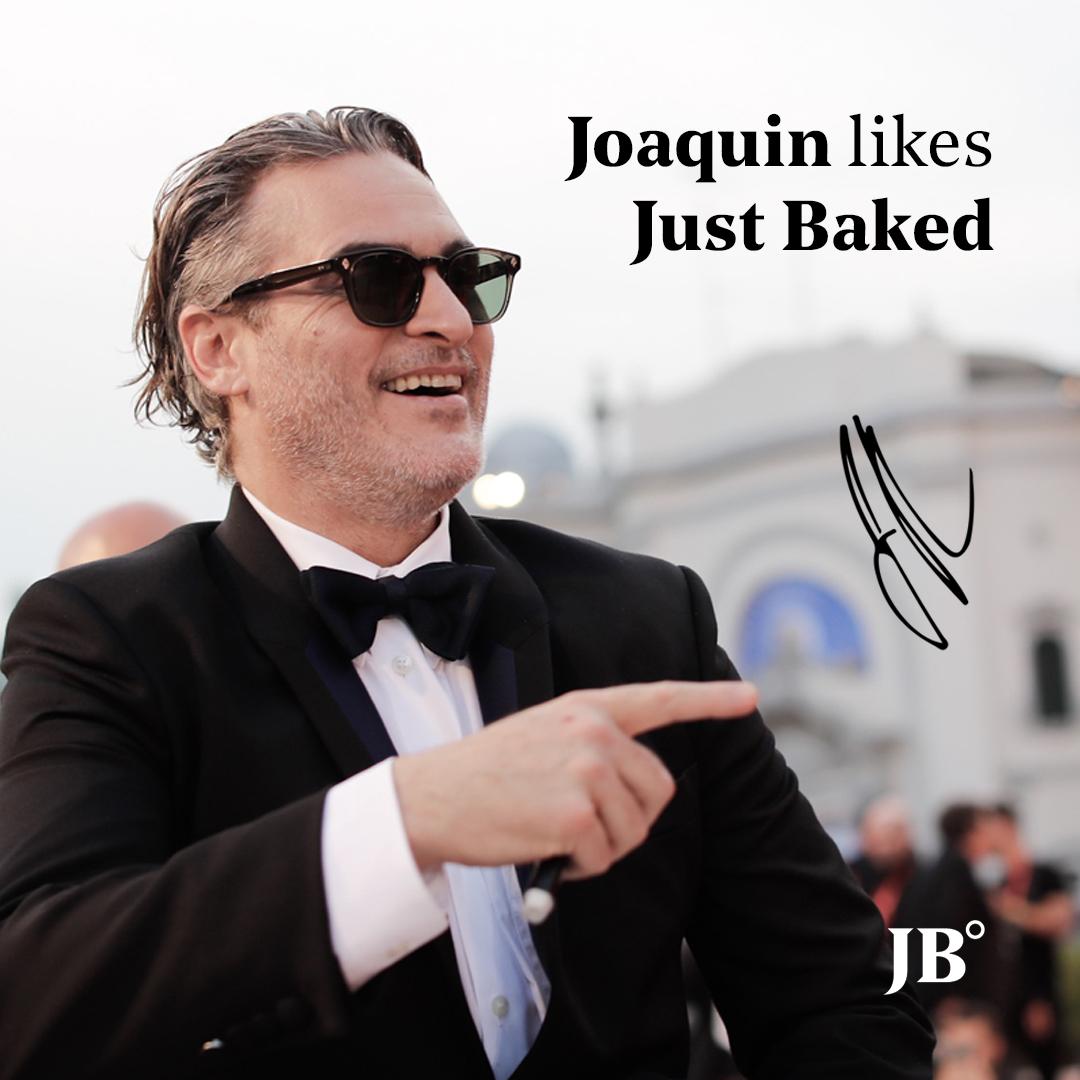 l'autografo di Joaquin Phoenix per Just Baked